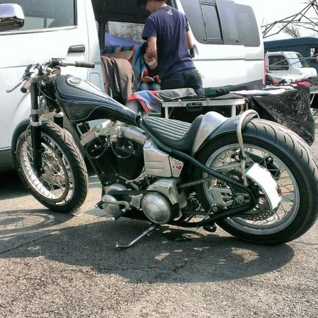 Sunday chop chicken race Cherryscompany Harleydavidson Evo Chopper bobber