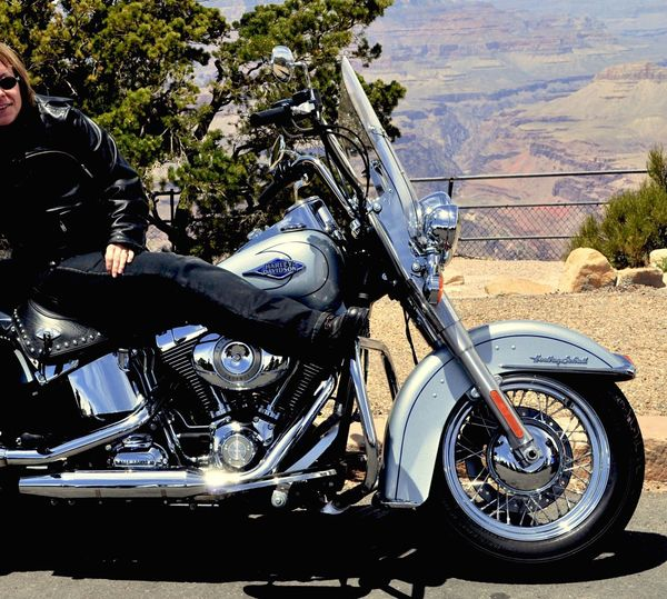 Grand Canyon Spezial 👍😁🎉✨ Transportation Mode Of Transportation Land Vehicle Motorcycle Real People My Best Photo Outdoors One Person Scooter Road Stationary Motor Vehicle Adult Travel Leisure Activity Men Nature Sunlight Lifestyles Transportation Road Motorcycle Adult Headwear Biker Sports Helmet Helmet Adventure Landscape Riding