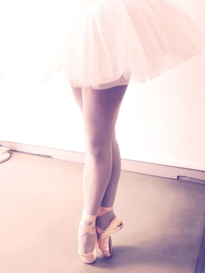 Dancing Pointe Shoes Tutu Danza Ballet Ballerine Worldballetday Balletdancer