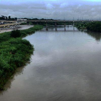Puente international nuevo Laredo Laredo tx