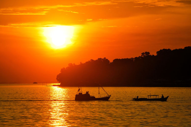 Sunset Silhouette Orange Color Sea Sailing Vacations Tourism EyeEmNewHere PenyengatIsland Eyeem Select Decorative Ship Landscape Travel Boats⛵️ Penyengat IslandStockphoto Travel Destinations Sailing Ship EyeEm Selects Ship Sea Life EyeEm Best Edits Gold Colored Sailing Boat Scenics