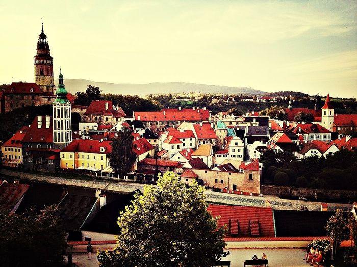 チェコ、チェスキークルムロフにて。ずっと憧れていた小さな町。ずっとずっと見ていたくなる町並みは、とても穏やかであたたかい。 Czech Republic