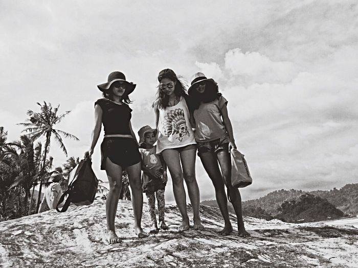 RePicture Friendship GGG Today's Hot Look Check This Out Totally Worth It Tioman Blackandwhite Beach Love Beautiful