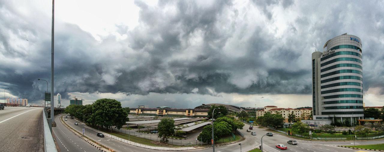 Second before rain Cloud - Sky Cloud Malaysia Streetphotography Keindahan Alam Smile Rain Thunder KeagunganMU ... Sunyi Intan Brave Awesome Resting Aku Canon Sigma Menipulagi