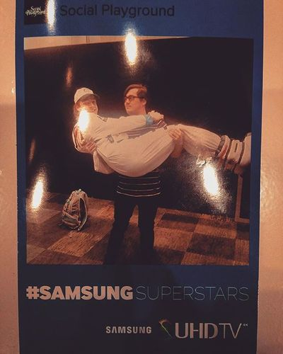 We are Samsungsuperstars because you can only feel happy with Samsung's spaceman in your arms Suhdtv