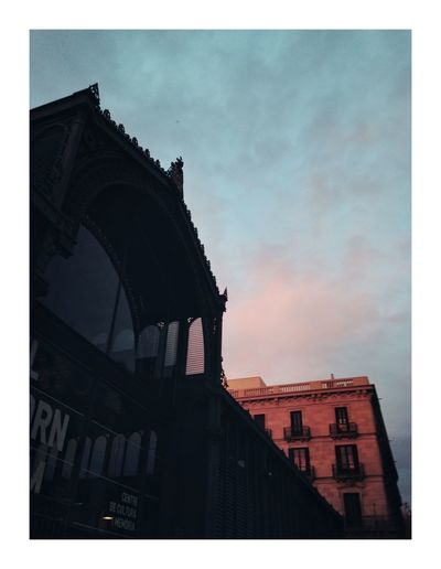 Light fyting Barcelona Architecture Built Structure Building Exterior Low Angle View Sky No People Outdoors Day City
