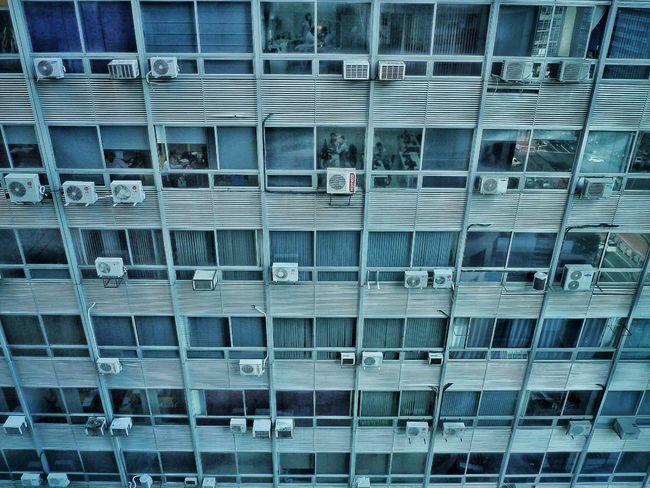 Sao Paulo, Brazil. 2015 ©Gustavo Mondragon ©La Calle Foto Latinstreetphoto Latinstreetcollective Streetphotography Lacallefoto Streetphotographers Streetssaopaulo Saopaulo Building