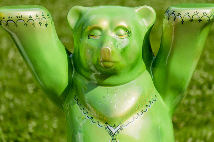 Buddy Bear Berlin Show: Single green bear Arts And Crafts Berlin Buddy Bear Berlin Show Germany 🇩🇪 Deutschland Green Horizontal Painted Color Image Countries Exhibition Nation No People Outdoors Sculpture