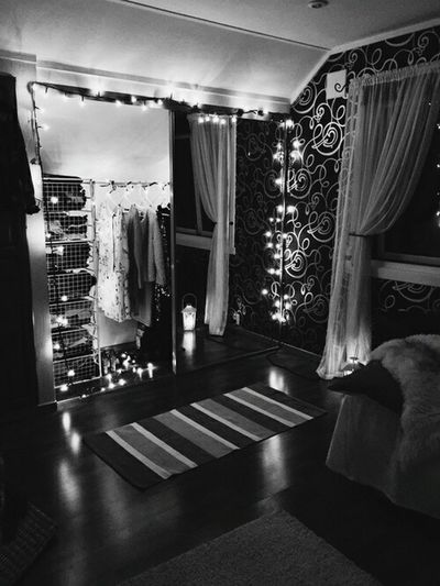 Notmyroom Notmyphotography Roomgoals Futuregoals Lights Blackandwhite EyeEm Love Killingit