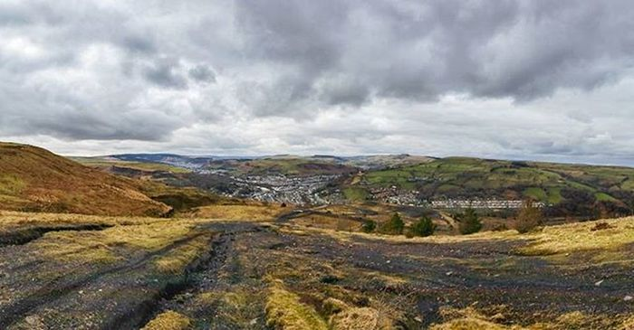 Forty years on and the Rhondda still shows it's scars. Walkabout Wales Rhondda Heritage Igwales S5