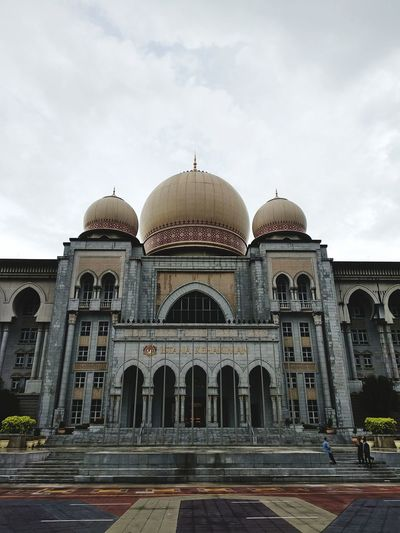 Palace of Justice Justice Law Enforcement Palace Putrajaya Lawsuit Courthouse Lawyer Dome Travel Destinations Architecture Built Structure Religion Façade Place Of Worship Outdoors Day