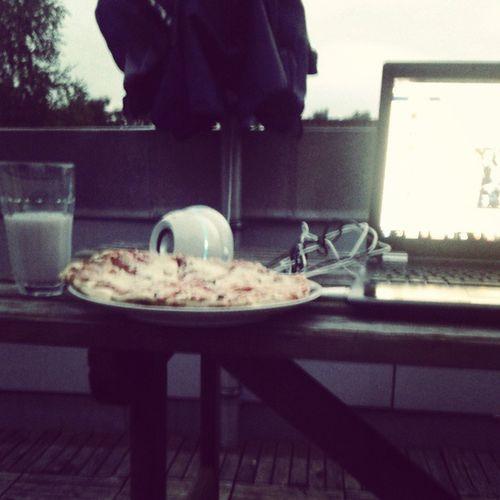 Runde 2 Sauerkirsch mit Milch Pizza musik