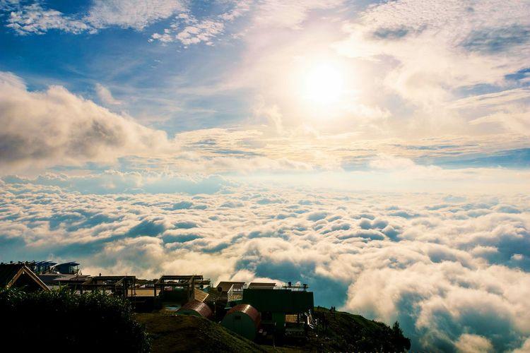 Original Experiences Misty Morning Misty Valley Fog Haze Sun Set Over The Mist Clouds Sky Hill Warm Colors Cool Day Mountain View Huts Cottage Sea Of Mist Thailand Phutabberk Phutubberk