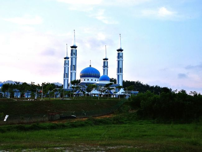 Beautiful! Dome Place Of Worship Sky Religion Architecture Relaxing Time Interesting Places Mosque Minaret Masjid Masjid Al Fateh Serdang Kedah Malaysia