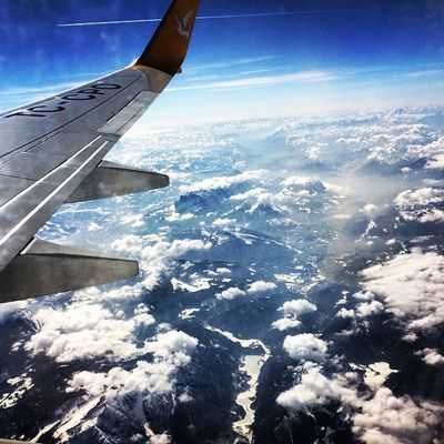 """Up in the air"" Flight Alpen Up Mountain air window view cloud cloudporn instacloud bestoftheday blue sky instasky"