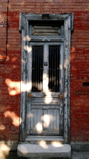 Streetphotography Rue Doors LoverRouille r Rouge Old Buildings Brick Wall Texture Old Doors Old Building Exterior Architectural Detail Archilovers The Week On EyeEm