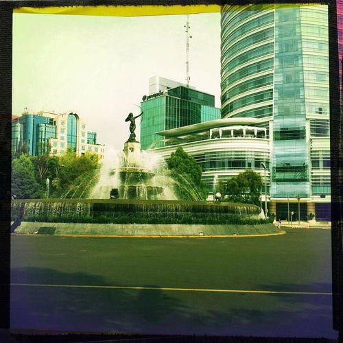 Traveling La Diana Cazadora Mexico City Reforma Turismo Here Belongs To Me