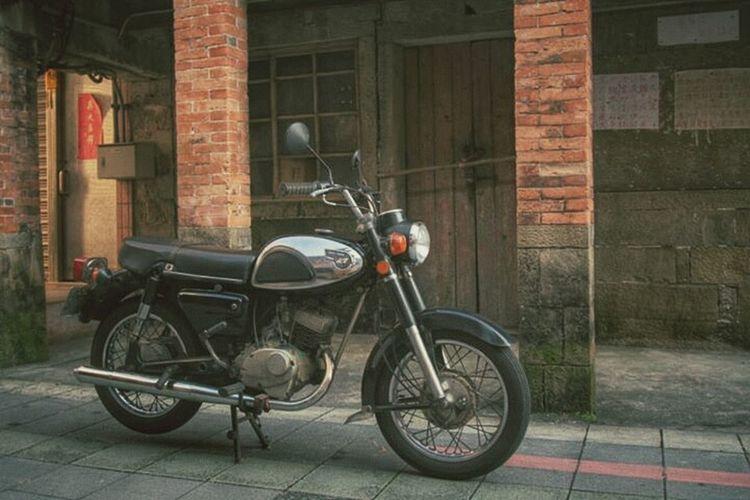 老街遇老車;還真像回到過去呢 --- 永豐川崎 / Kawasaki B1 125 / Stree View / Recollection
