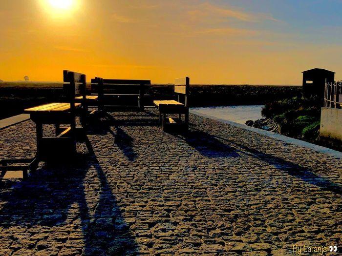 Tranquilidade, paz de alma. São palavras de ordem por estas bandas. Sky Water Sunset Nature Sunlight Tranquility No People