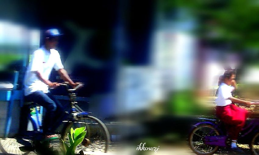 Morning activity,,!😃🚲 Snapshots Of Life Street Photography Mobilephotography Taking Photos Candid Portraits People On Yourbike Getting Inspired From My Point Of View INDONESIA