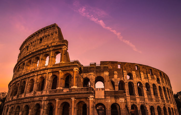 Colosseo Coloseum Colosseo Rome, Italy Amphitheater Ancient Ancient Civilization Architecture Building Exterior Built Structure Day Europe History No People Outdoors Travel Travel Destinations Moving Around Rome The Traveler - 2018 EyeEm Awards Capture Tomorrow