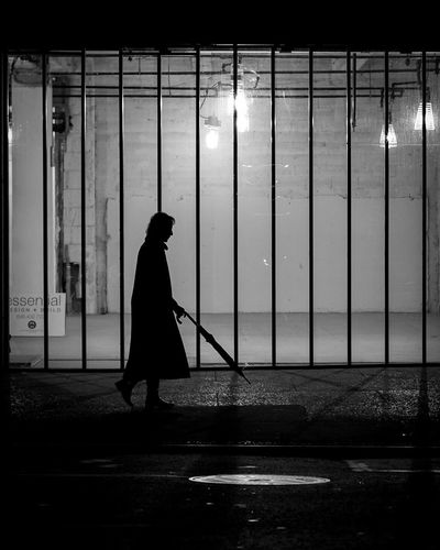 New York Silhouette Silhouette Shadow Real People Silhouette One Person Streetphotography City Urbanphotography City Life Blackandwhite Urban New York City New York