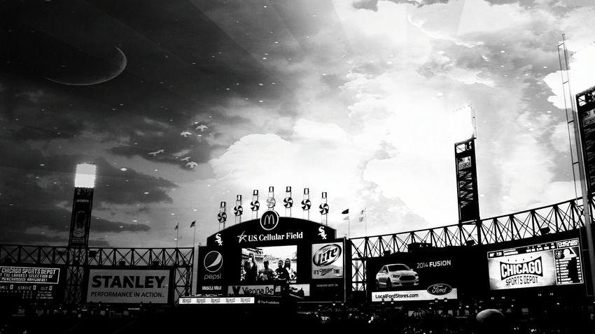 @jennyonthestreet Chicago White Sox White Sox Blackandwhite Chicago Southside Space Black And White Black & White Scifi