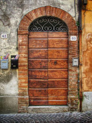 Door in Pesaro, Italy Doorporn Streetphotography BOB Brick Old Building Taking Photos