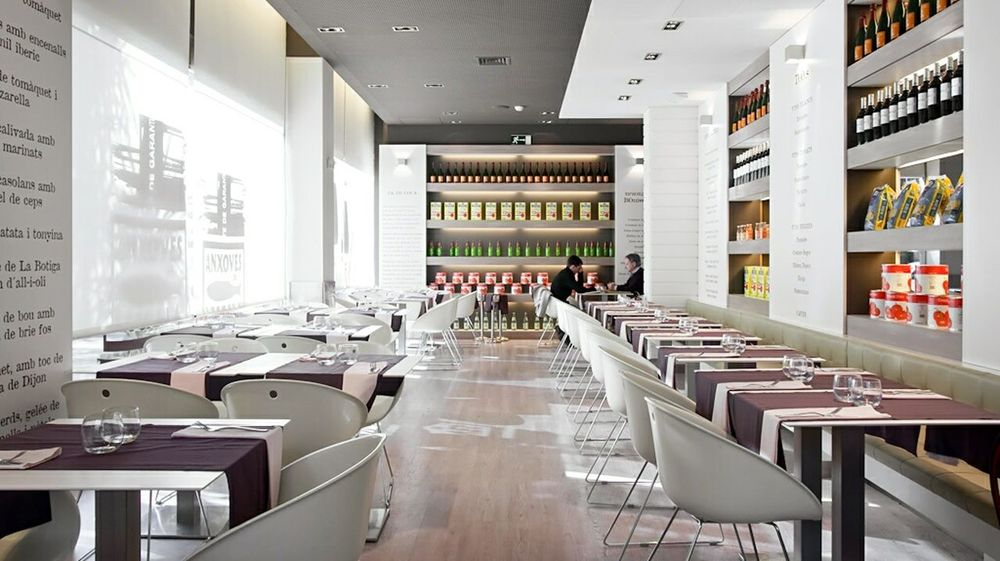 Chairs Tables Architecture Lines And Shapes Color Barcelona Interior Design Restaurant Vanishing Point