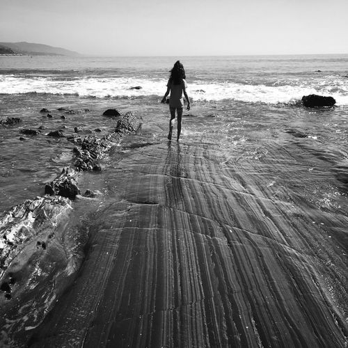Malibu Paradise Cove Beach Rock Water Waves Girl Child Kid Take A Dip Outdoors Sunshine California Pacific Ocean Blackandwhite Pattern Lines Walkway The Following Iphone6 Striations Pattern Coastline Mermaid Iphone6 Perspectives On Nature