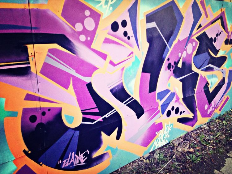 MaxArt Streetphotography Graffiti Taking Photos