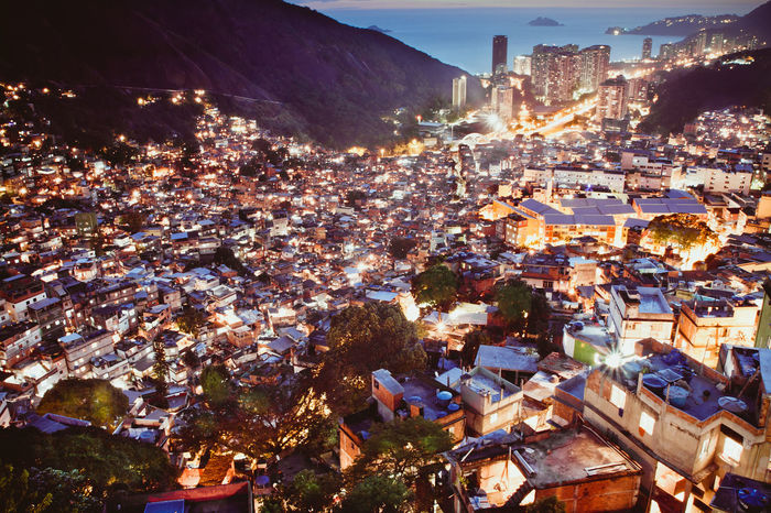 Rocinha favela at night, Rio de Janeiro, Brazil Brazil Night Lights Night Photography Rio De Janeiro Rio De Janeiro Eyeem Fotos Collection⛵ Rocinha Summertime Tourist Attraction  Vacations Architecture Building Exterior Built Structure City City Lights Cityscape Community Crowded Favela High Angle View Illuminated Mountain Night Outdoors Residential  Slum HUAWEI Photo Award: After Dark