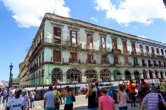 Verfall in Havanna, Kuba Hello World First Eyeem Photo Reisen Tourism KuBa Gebäude Popular Photos Verfall Urlaub Tourist Attraction