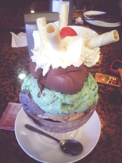 Hello World Ice Cream Delicious ^-^ tarde con amigas <3