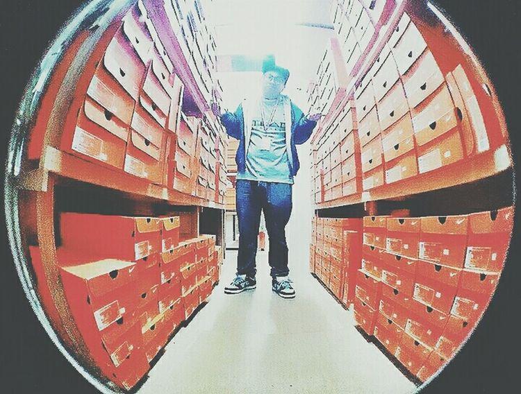 Nike✔ Sportswear Sneakerhead  Secret Vault