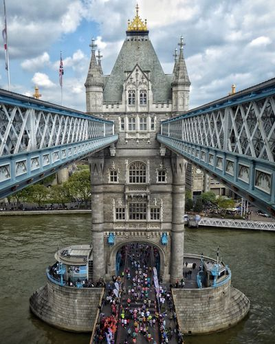 Marathon London Marathon Running Jogging Tower Bridge  London London Bridge Architecture Bridge - Man Made Structure Connection Cloud - Sky Travel Destinations River Day Outdoors Tourism Incidental People Building Exterior Travel Waterfront City Chain Bridge Motivation EyeEmNewHere Leading Lines