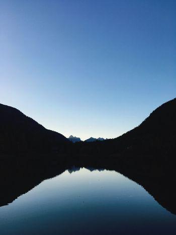 Mountain Lake Lac Champex-Lac Lake Mountain Heure Bleue Entre Chiens Et Loups La Brunante Crépuscule Dusk