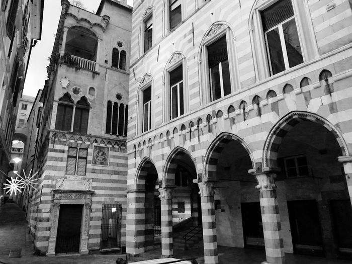 [centro Storico Genova] Palazzi Architecture Built Structure Building Exterior Hanging Out No People Black And White Street Photography City Streetphoto_bw Genova Bnw Blackandwhite Photography Black&white Centrohistorico Blancoynegro Popular Photos Monochrome Italy Instadaily Instapic Black And White Photography Liguria Instatagapp_instagood_iphonesia_photooftheday_instamood_igers_instagramhub_picoftheday_instadaily_bestoftheday_igdaily_webstagram_instagramers_statigram_igaddict_blackandwhite_iphoneartists_iphoneonly_jj_forum_iphonography_instagrammers_instaaddict_ Street