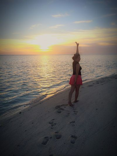 Hello World Indotravellers Taking Pictures Beach Sunset