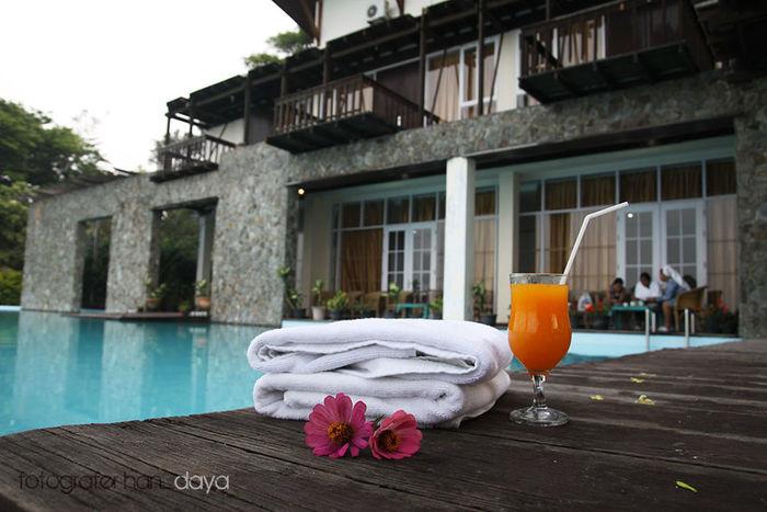 Danau Toba Hotel Swimming Pool Enjoying Life Relaxing Traveling Lake Toba
