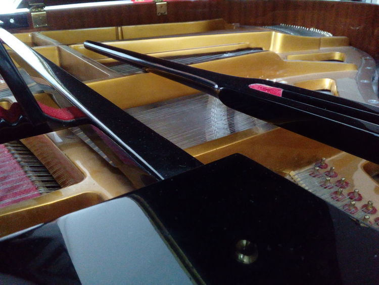 Piano Inside Piano Piano Music Piano Time Piano Parts Jakarta Indonesia Piano Lover Piano Key Piano Strings Piano Lessons Pianoporn Pianist Piano Insides Piano Practice Pianoforte Piano🎶 Piano Keys INDONESIA Indoors  Table High Angle View Close-up No People Day