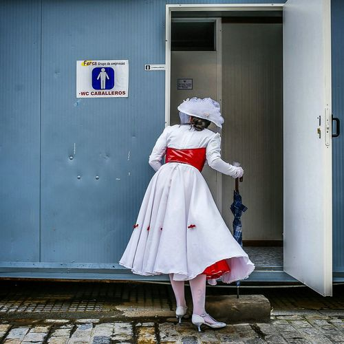 Carnaval2015 Cadiz Mary Poppins looking for her George in a public toilet. Public Toilet Old-fashioned Marypoppins