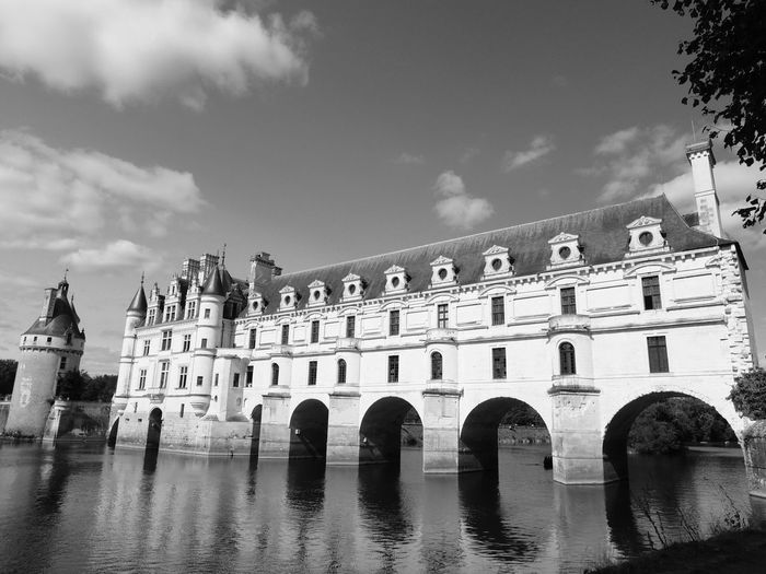 Chenonceau Chenonceaux Chenonceau Castle Loire Loire Valley Loire River France Architecture Built Structure Building Exterior Water Sky Cloud - Sky History Arch Nature The Past Reflection Travel Destinations Day City Building No People Waterfront Outdoors Tree