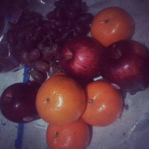 Thankiiieee so much sa nagbigay ng fruits saken yesterday. Hoping na gumaling nko ^^ Fruutiee 6DaysToGo Stillsick Goodmorning GodblessUs GV