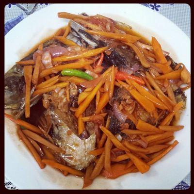 dinner's ready!! pero d ko manihapon kai im on diet :P hahahahahahaha!! unya asa naman mu mga pipol sa bahay ni ate at ni kuya?? :/ Isdabetse Myrecipe Mystyle Mugna2style