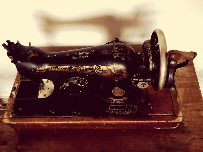 Sewing Machine Antique Old Oldtime