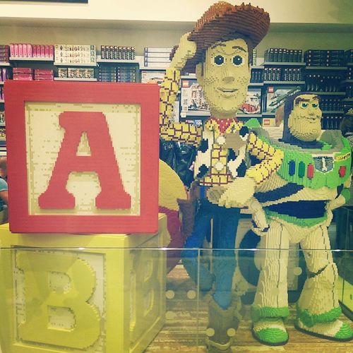 Come back in childhood ! ? Disneylandparis Disneyvillage Jai8ans Souvenirs childhood enfance