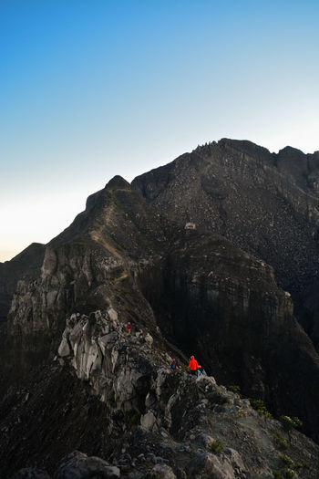 Extreme path on the roaring mountain. the path of sirotol mustaqim 1 is being passed by climbers