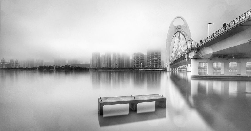 Long Exposure 雨雾中的猎德。 Bridge Rain River Rainy Days Fog Guangzhou China Black & White
