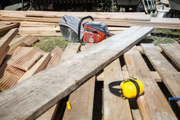 Construction Construction Site Cutting DIY Do It Yourself Home Improvement Working Workshop Building Building Site Construction Work Craft Crafting Garden No People Plank Power Saw Project Saw Sawing Timber Tools Wood - Material Wooden Planks Work Tool